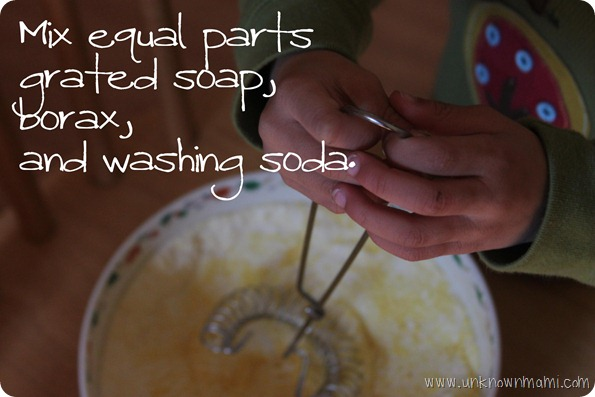 Mix-DIY-Laundry-Soap
