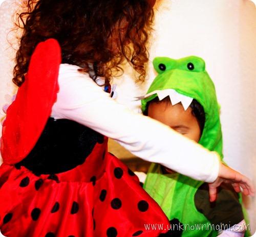 Kids-in-Halloween-costumes