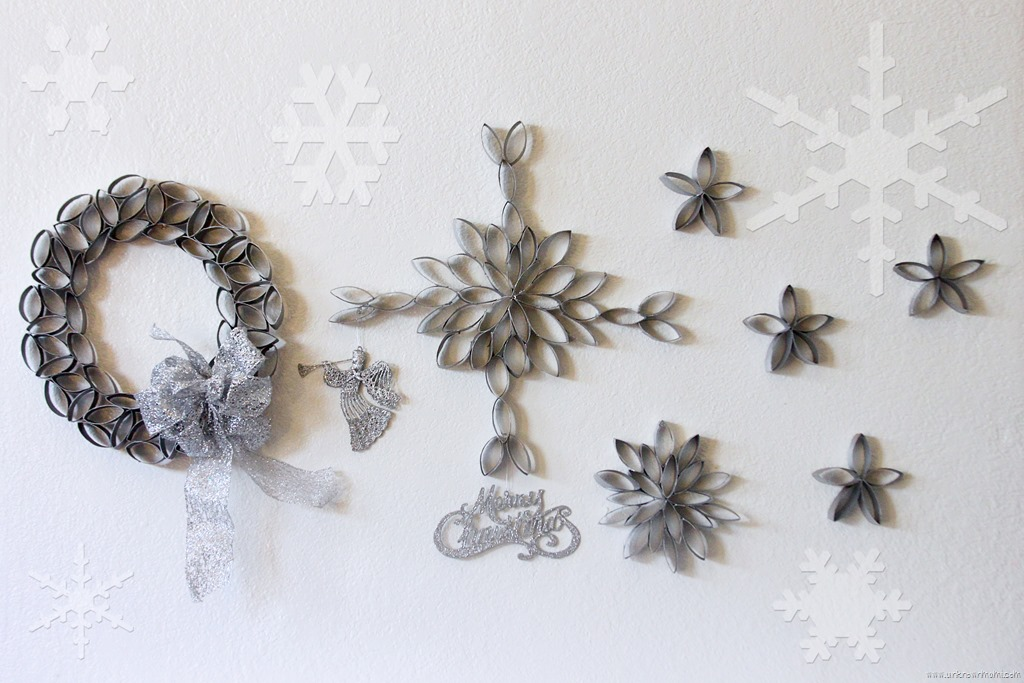 Diy snowflakes out of toilet paper rolls by claudya for Diy using toilet paper rolls