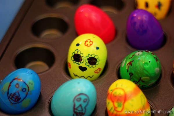Skull candy holders from plastic Easter eggs