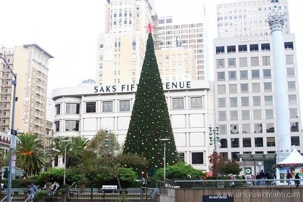 Christmas tree at Union Square in San Francisco