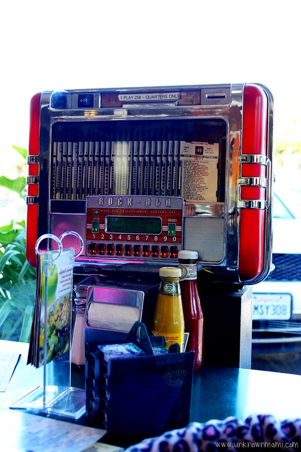 Rockola table top juke box