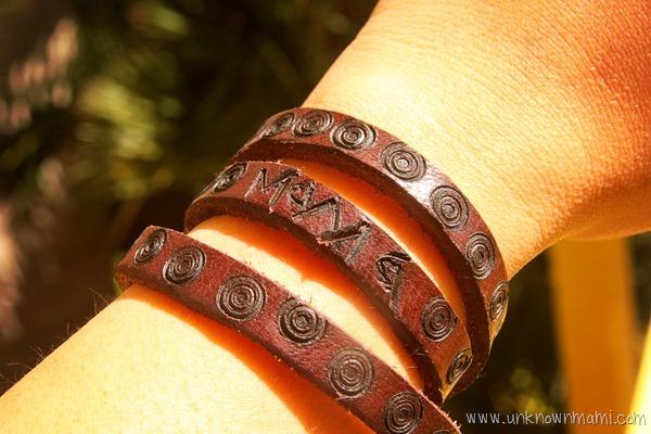 Branded leather bracelet