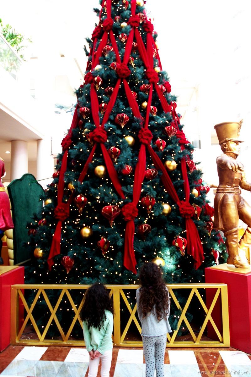 Stonestown Galleria Christmas Tree