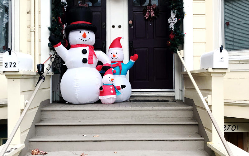 Inflatable Snow Family